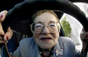 anziani-alla-guida-2-foto-piccola